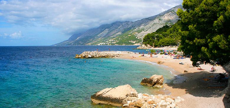 Pláž Jakiruša, Brela, Makarská riviéra, Chorvatsko