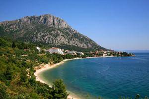 Nudistická FKK pláž, Gradac, Makarská riviéra, Chorvatsko