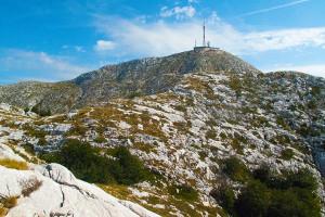 Pohled na vrchol Sv. Jure, pohoří Biokovo, Chorvatsko